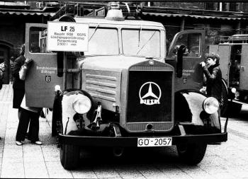 19741016 BF Feuerwehrschau LF 25 9