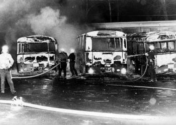 19741120 Feuer Brandanschlag Busse 2