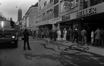 19750404 Feuer Betten Heller