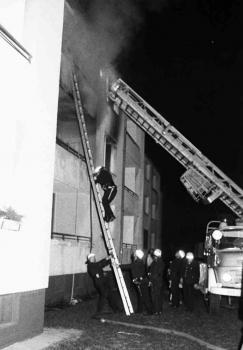 19751219 Feuer Finkenweg 1