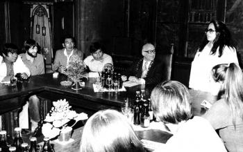 19780512 OB Levi mit Indianern im Rathaus