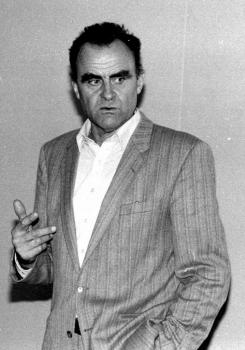 19831202 Prof. Jürgen Weber, Rathaus Portal 1