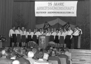 19840000   25 Jahre Jugendherberge 1