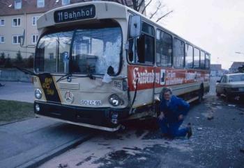 19860412 Unfall Geismar Bus PKW