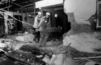 19881211 Unfall LKW B3 Wohnhaus 1