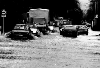 19881219 Hochwasser Martin-Luther-Str.