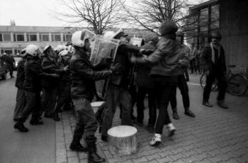 19890116 Töpfer in Uni 5