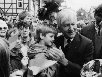 19891011 Weizsäcker mit Patensohn D - Boes in Duderstadt