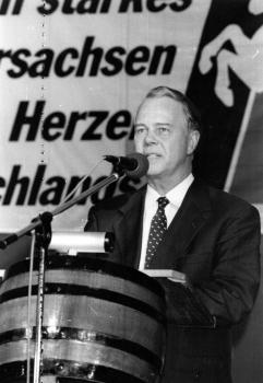 19900428 Ministerpräsident Ernst Albrecht