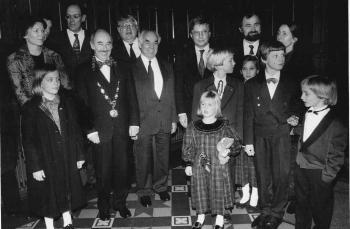 19920221 Nobelpreisträger,Sakmann,Neher, Eigen mit Minister Prof. Ortleb