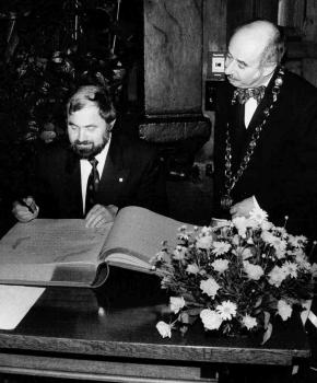 19920221 Prof. Neher, Goldenes Buch, OB Kallmann