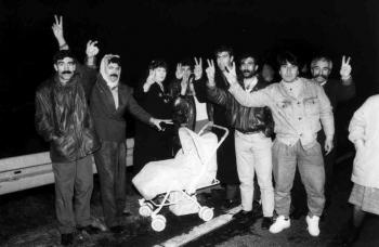 19931218 Kurden auf BAB 2