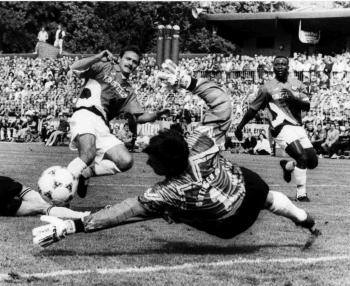 19940813 Pokal Göttingen 05 Frankfurt 1