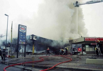 19941106 Feuer Teppichlager Gronerland 3