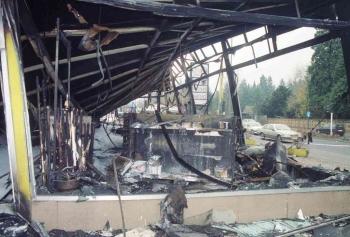 19941106 Feuer Teppichlager Gronerland 5