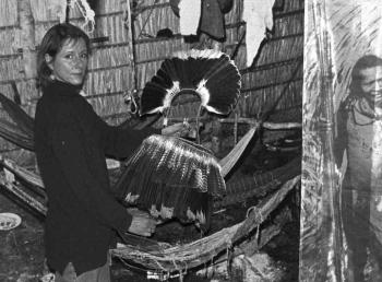 19960210 Indianerschmuck im Museum 2