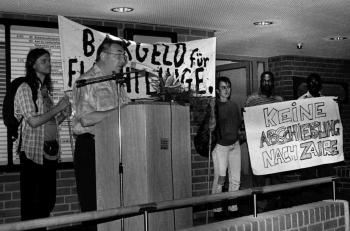 19960807 Demo-Bargeld Asyl Kreishaus