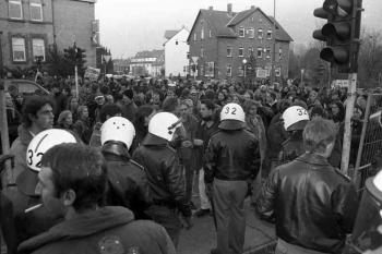 19971209 Demo Polizeigebäude 2