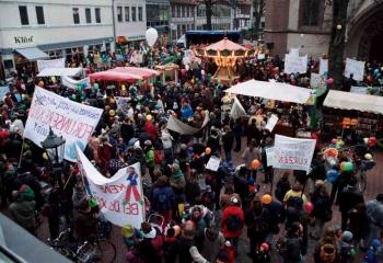 19981130 Demo gegen SPD Sparbeschlüsse
