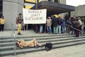 19981201 Bargeld statt Gutscheine