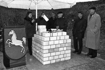19981204 Uni Grundstein Biowissen Oppermann