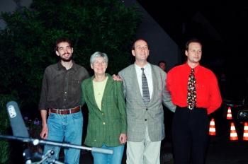 20000827 Familie Wallert zurück aus Geiselhaft