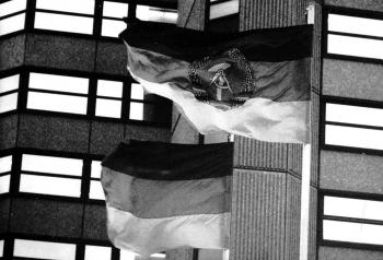 19880126 DDR-Fahne am Rathaus