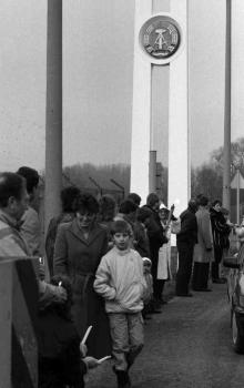 19900107 Menschenkette 1